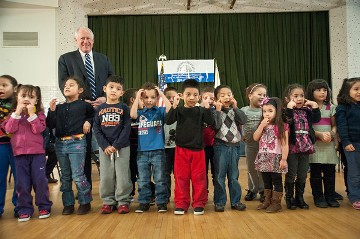 Governor Quinn with preschool children